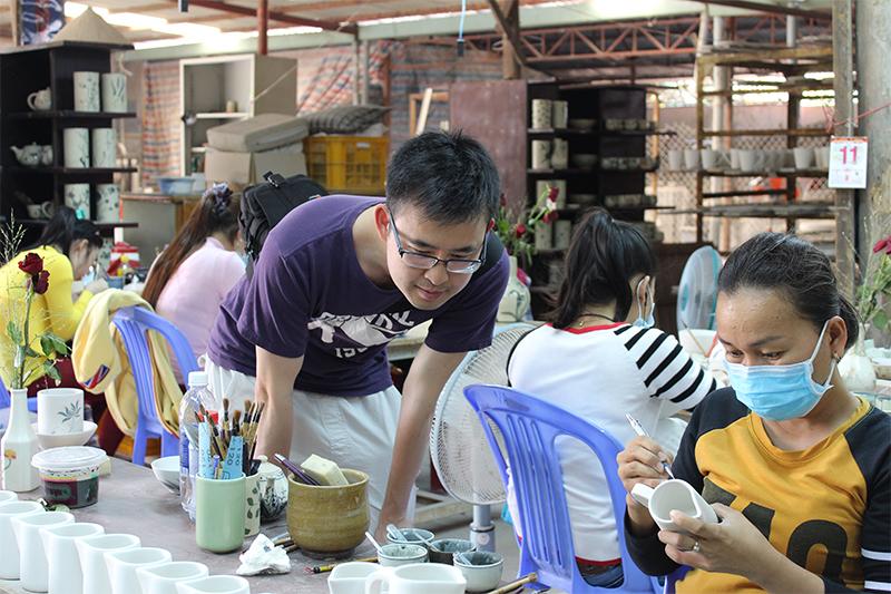 Immersion dans un atelier de céramique artisanale de Saïgon