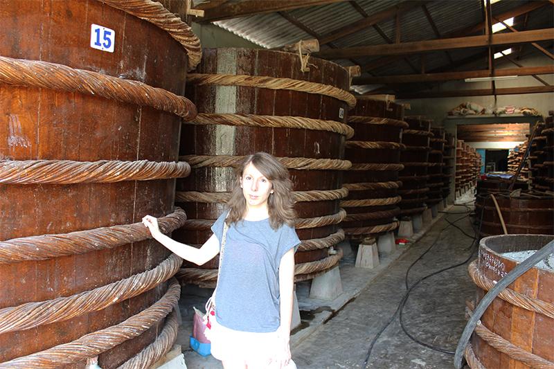 Visite du lieu de production de sauce nước mắm sur l'île de Phû Quoc